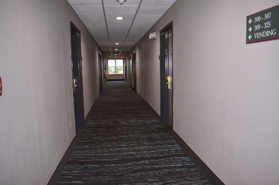 Country Inn & Suites by Radisson, Panama City Beach, FL: THIRD FLOOR HALL WAY