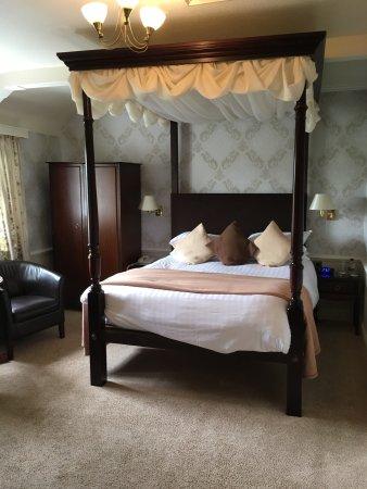 Crown Wetheral Hotel