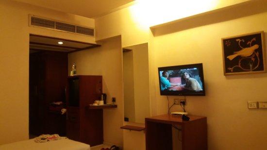 The Chevron Hotel: 20170804_132948_large.jpg