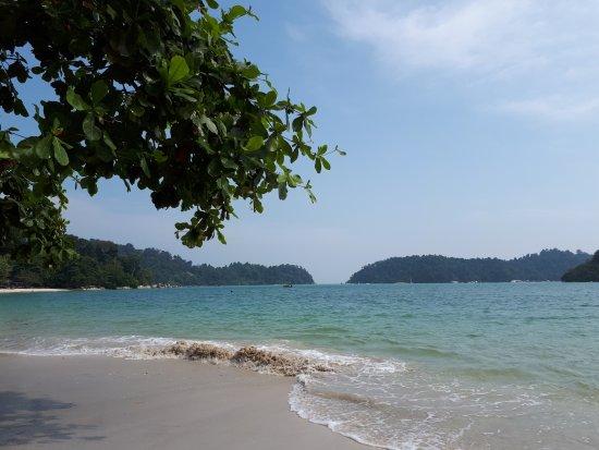 Anjungan Beach Resort Photo