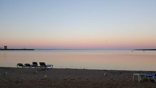 Comfort Inn Lakeside: Evening view