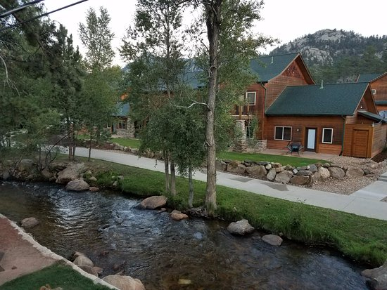 Murphy's River Lodge: View from the 2nd floor continental breakfast room