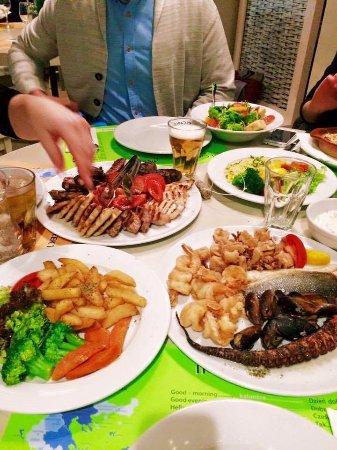 Restaurant El Greco: Zestawy Mix Grill, Archipelagos i sałatka el greco