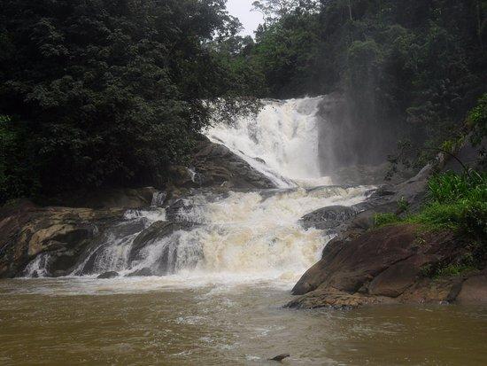 Morawaka, Sri Lanka: The waterfall-Ethamala ella