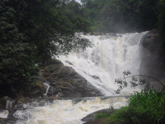 Morawaka, Sri Lanka: The waterfall- Ehamala Ella