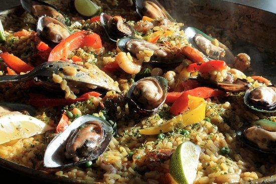 Saint-Henri-de-Taillon, Kanada: Soirée paella et sangria - juillet 2017