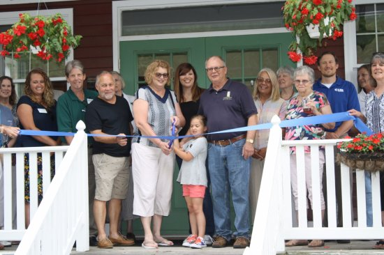 Elsah, IL: Green Tree Inn's ribbon cutting ceremony, celebrating five years of successful business.