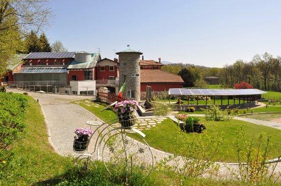 Viggiu, Italy: Vista dal giardino