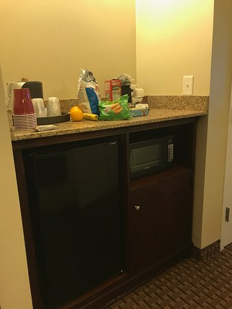 Best Western Plus Easton Inn & Suites: Large fridge