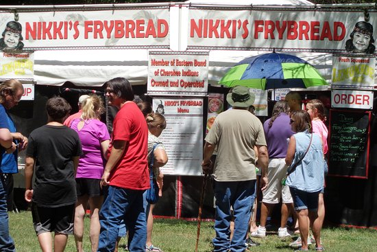 Red Clay State Historic Park: Lineup for good food!