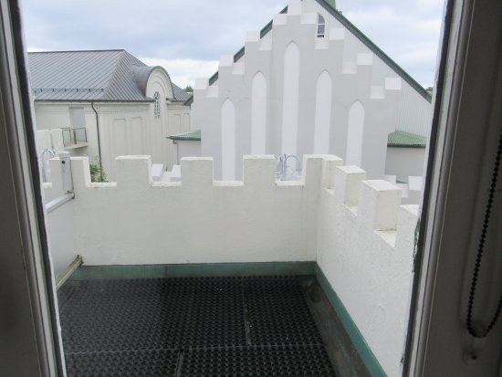 Castle House Luxury Apartments: balcony