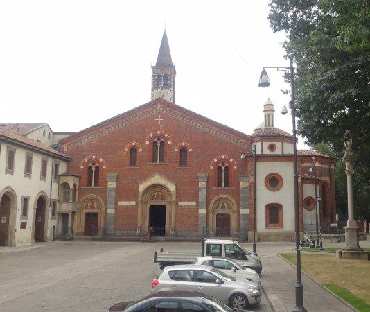 Cimitero sotterraneo foto di basilica di sant 39 eustorgio for Piazza sant eustorgio