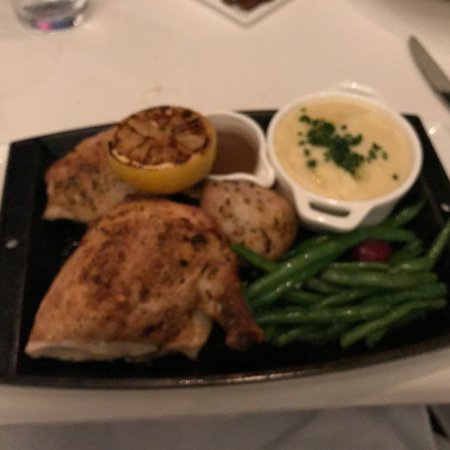 Cafe Ponte : Okay this chicken was so moist, yet crispy and delicate, magic in your mouth!