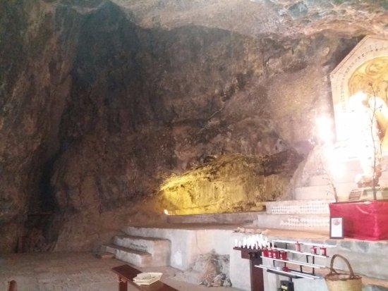 Monticchio Bagni, Itália: grotta