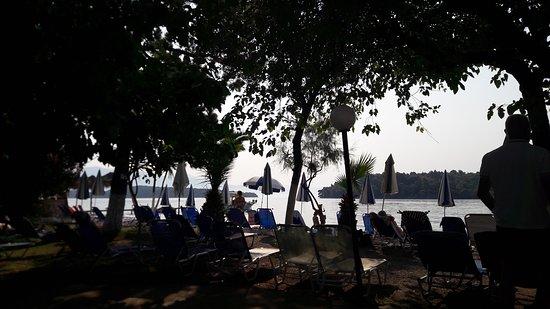 Avra Beach Hotel: 20170807_093146_large.jpg