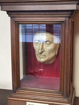 service durable check-out produits de commodité le fameux masque mortuaire de Dante - Foto van Palazzo ...