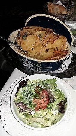 Scherwiller, França: Baeckaoffe avec salade pour 1 personne