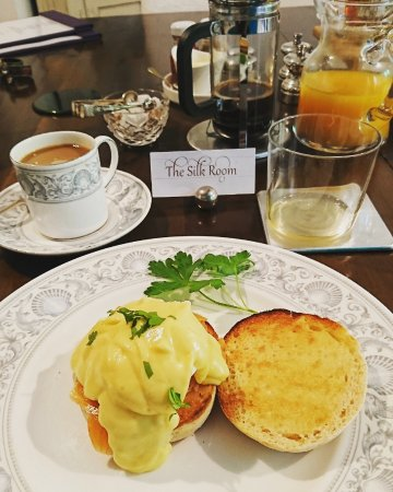 Cranbrook, UK: Egg Royale and coffee breakfast