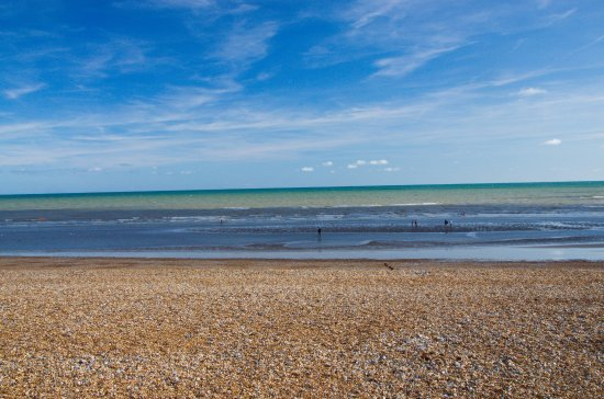 Bexhill-on-Sea, UK: Sun, cloud, sea and shore
