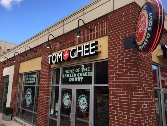 Tom + Chee Picture