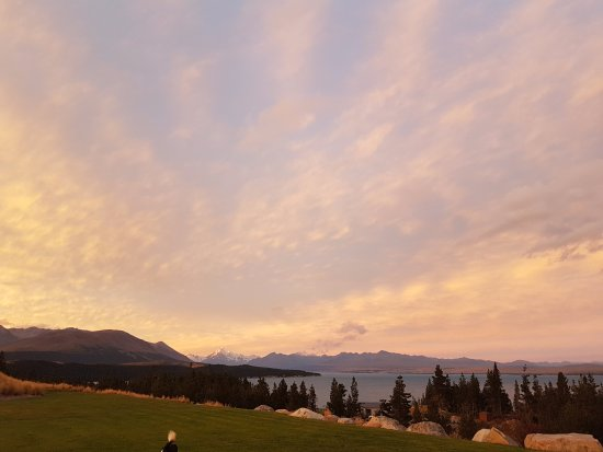 Twizel, Nueva Zelanda: Sunset at the Retreat