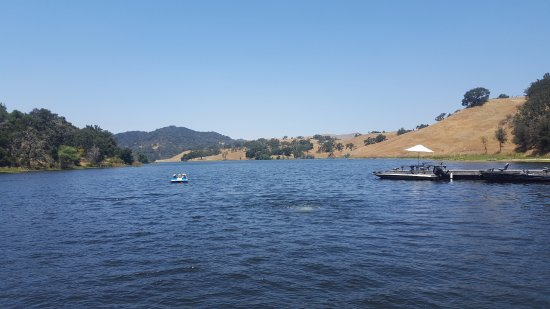 Alisal Guest Ranch & Resort: The lake