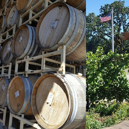 Dallas, Oregón: Barrels waiting for Harvest Season