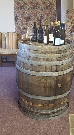 Chateau Bianca Winery: VIP Events: Pair Wine with Food