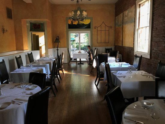 Amador City, CA: Imperial Hotel dining room for breakfast and dinner (closed Mondays).