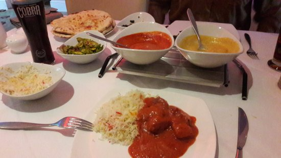 Brackley, UK: Korma and Tikka