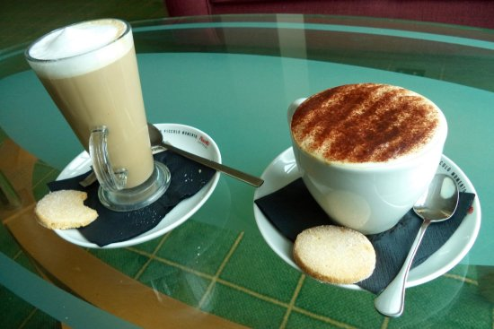 Carnoustie Golf Course Hotel: A great unrushed cup of coffee.