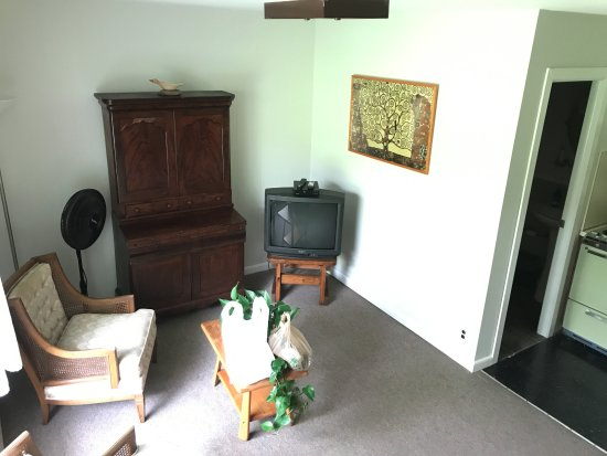 Oliverea, NY: Sitting area
