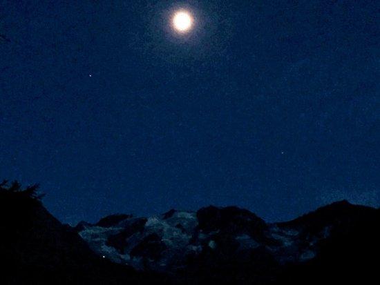 Hotel Zebru: Il gruppo del Cevedale al chiaro di luna