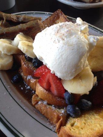 Covington Inn: Breakfast