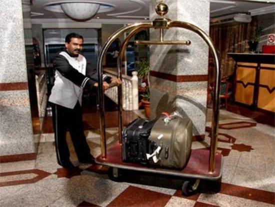 Ramee Guestline Deira Hotel : Interior