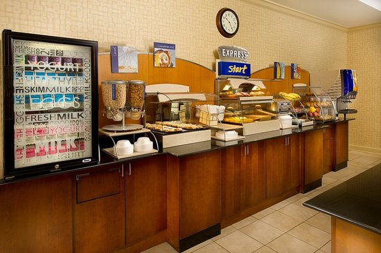 Schererville, Индиана: Stay Smart with our complimentary Hot Breakfast Buffet
