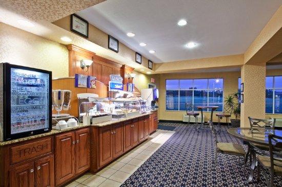 Paragould, AR: Breakfast Bar