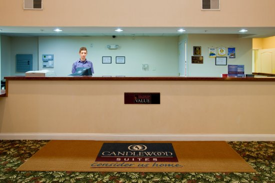 Stevensville, MI: Front Desk
