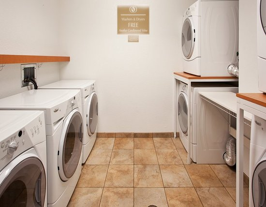 Turlock, Kalifornien: Laundry Facility