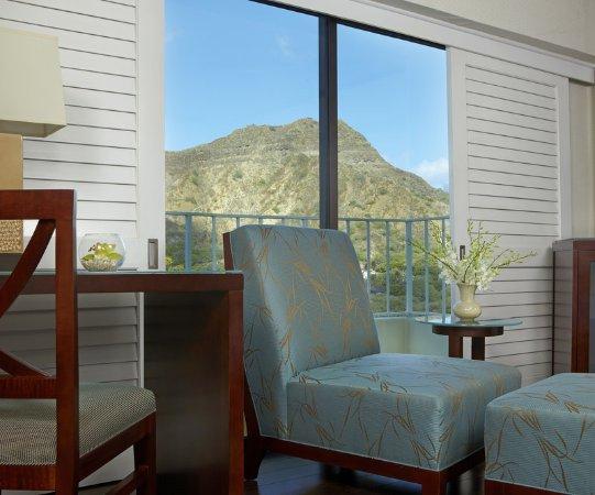 Lotus Honolulu at Diamond Head: Guest Room Detail DH View
