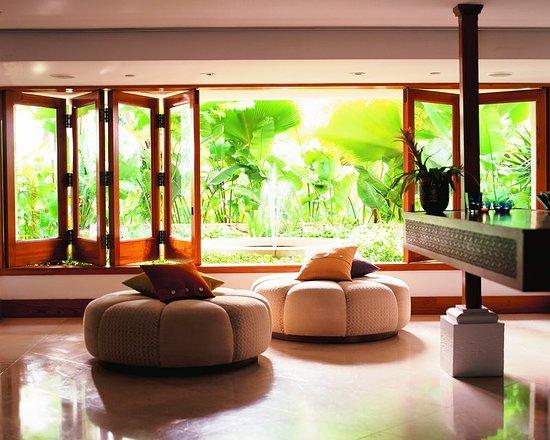 Lotus Honolulu at Diamond Head: Lobby