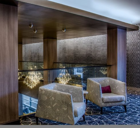Chevy Chase, MD: Mayfair Ballroom Lobby Seating
