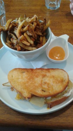 Wellington, Kanada: The Exquiiste Grilled Cheese