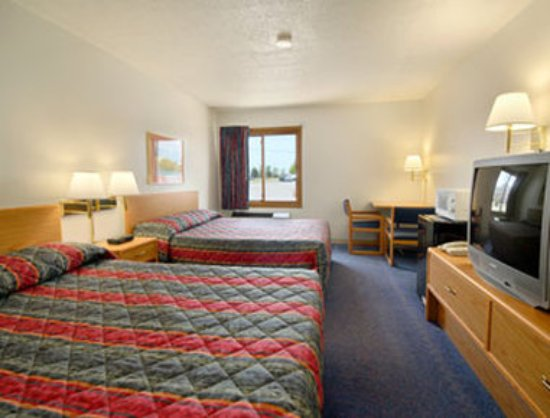 Saint Cloud, MN: Standard Two Double Bed Room