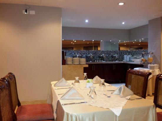Hotel La Triada: 20170803_202220_large.jpg
