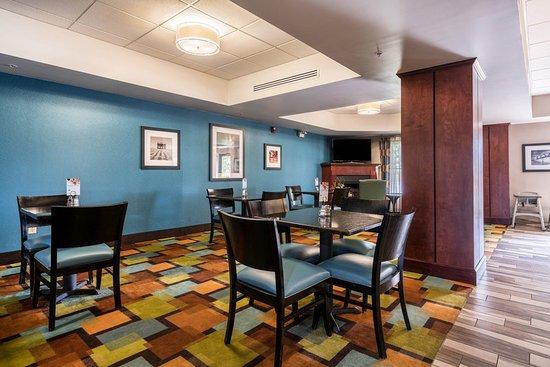 Roanoke Rapids, NC: Breakfast Area