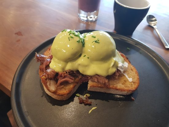 Macedon, Australië: Green eggs and ham. A fantastic take on a Benedict!!
