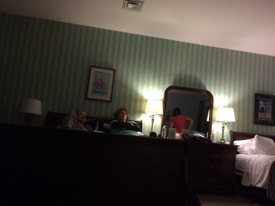 Hotel Carlyle & Restaurant: Celebrating with our family my husbands 80 th birthday