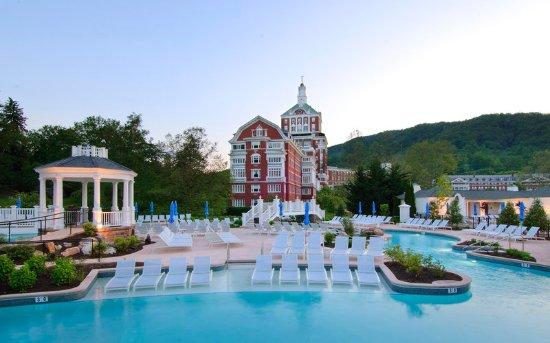 Hot Springs, VA: Allegheny Springs outdoor pool