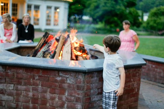 Hot Springs, VA: S'mores on the Lawn